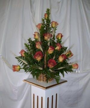 Brown Rose Table Arrangement